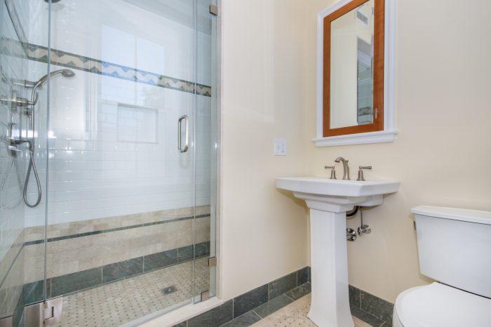 2masterbathroom2